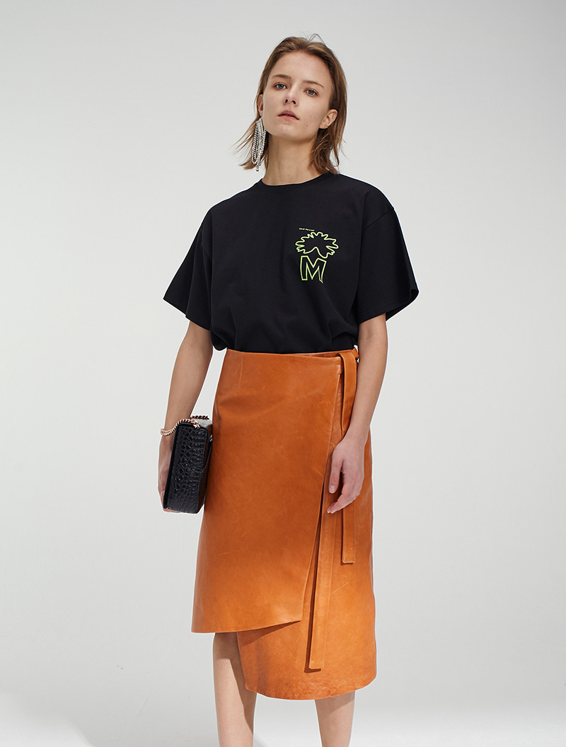 [주문제작] VEGETABLE LAMBSKIN LEATHER SKIRT CAMEL